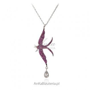 Naszyjnik srebrny jaskółka z pięknymi rubinowymi cyrkoniami