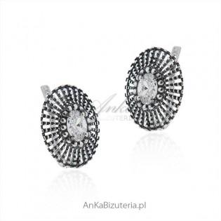 Kolczyki srebrne z cyrkonią - oksydowane ażurowe