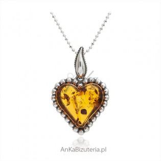 Serce z bursztynu - zawieszka srebrna