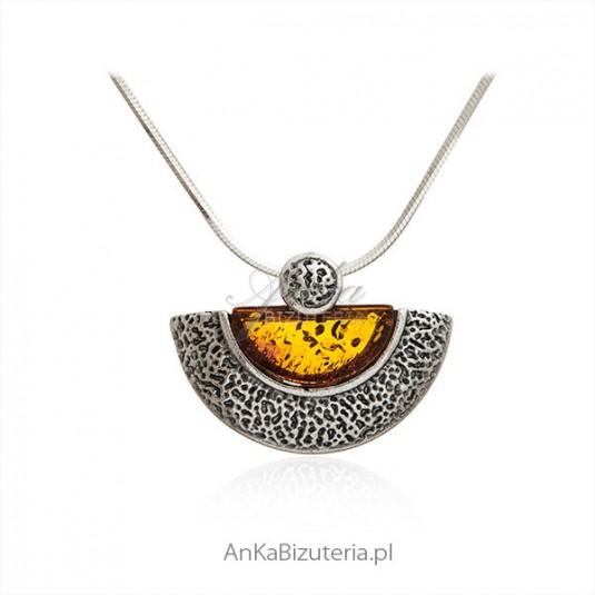 Naszyjnik srebrny z bursztynem oksydowany