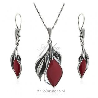 Komplet biżuteria srebrna z czerwonym kamieniem jubilerskim