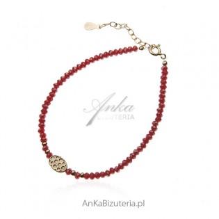 Bransoletka srebrna z czerwonymi koralikami - pozłacana