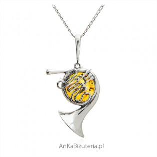 Zawieszka srebrna z bursztynem - Róg (waltornia)