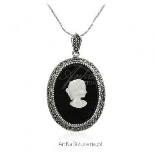 Elegancka zawieszka srebrna z onyksem i markazytami Kamea