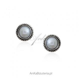 Kolczyki srebrne z białą naturalną perełką