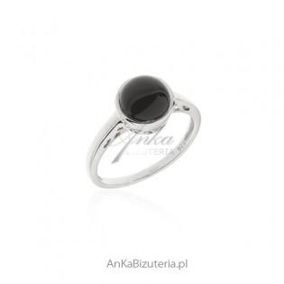 Biżuteria srebrna - pierścionek srebrny z czarnym onyksem