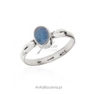 Pierścionek srebrny z opalem - pierścionek z prawdziwym opalem
