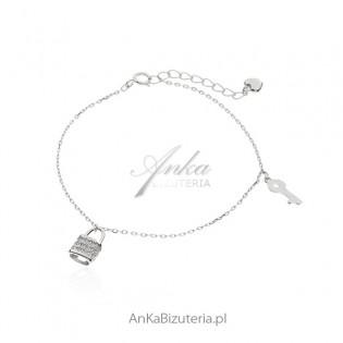 Bransoletka srebrna z przywieszkami - Modna biżuteria srebrna