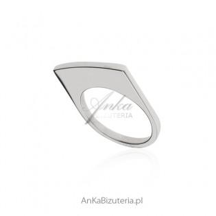Designerski oryginalny pierścionek srebrny