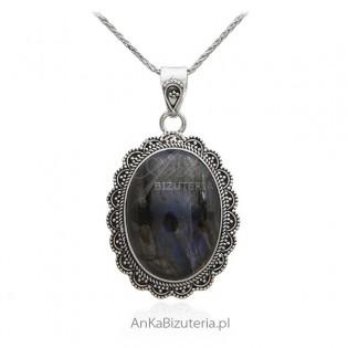 Zawieszka srebrna z labradorytem - piękna unikatowa bizuteria