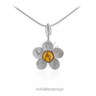 Zawieszka srebrna kwiatek z bursztynem