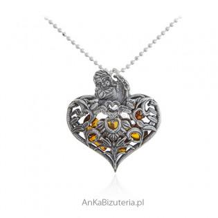 Zawieszka srebrna serduszka oksydowane z aniołkiem i bursztynem