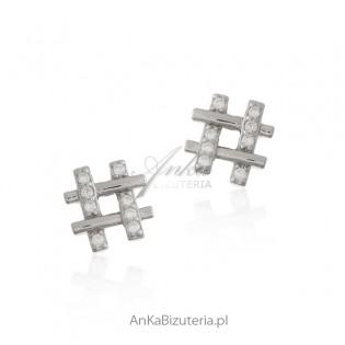 Kolczyki srebrne z cyrkoniami hashtagi