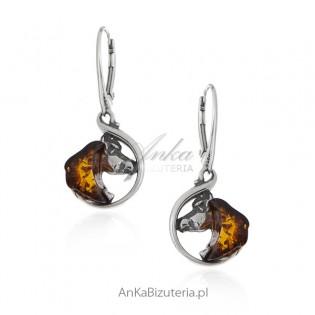 Kolczyki srebrne - KOŃ - biżuteria z bursztynem