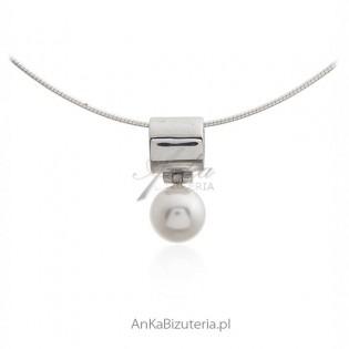 Zawieszka srebrna z perełką - Klasyka biżuterii