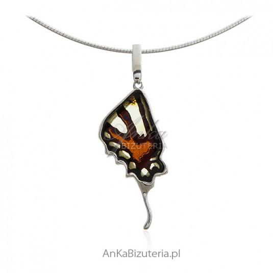 Wisiorek srebrny z bursztynem - Skrzydełko motylka