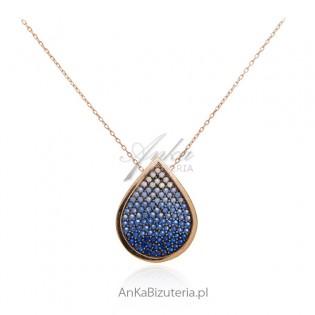 Naszyjnik srebrny pozłacany różowym złotem z szafirowymi i niebieskimi cyrkoniami