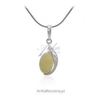Zawieszka srebrna z żółtym bursztynem z greckim wzorem