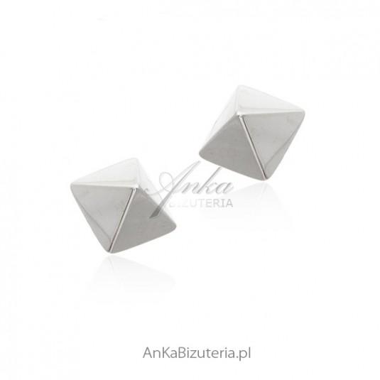 Kolczyki srebrne trójkąty trójwymiarowe