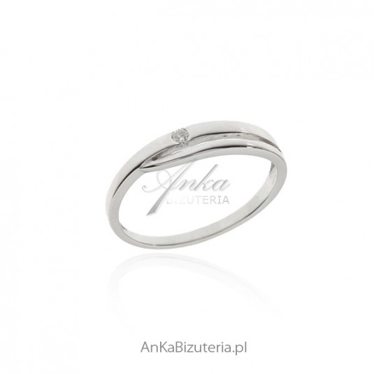 Pierścionek srebrny z cyrkonią - Pierścionek zaręczynowy