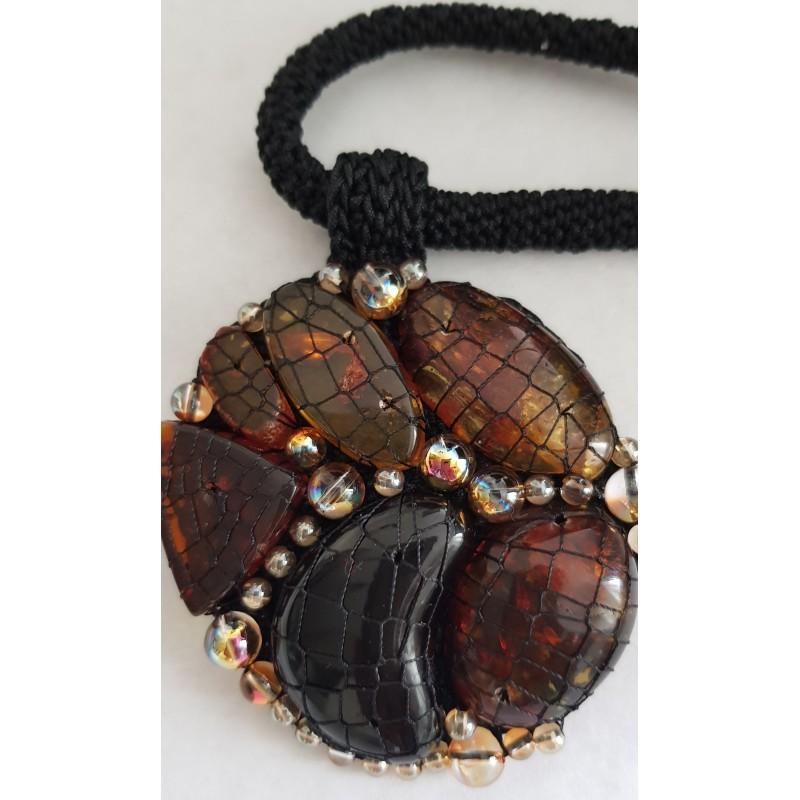 ec2aa6b5ea8061 Autorska biżuteria ręcznie robiona z naturalnym bursztynem