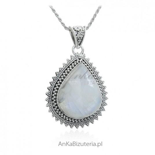 Orientalna biżuteria srebrna z kamieniem księżycowym - biżuteria z kamieniem szczęścia