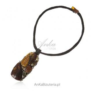 Artystyczna biżuteria z bursztynem i kamieniami Swarovski