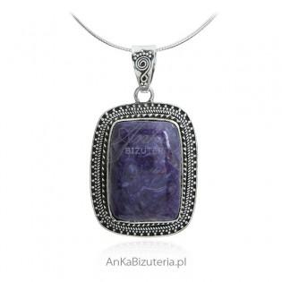 Zawieszka srebrna z czariotem - stylowa biżuteria srebrna