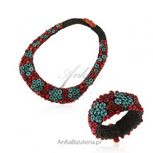 Artystyczna biżuteria ręcznie robiona z naturalnym koralem i magnezytem