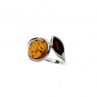 Pierścionek srebrny z naturalnym bursztynem w kolorze wiśni i koniak