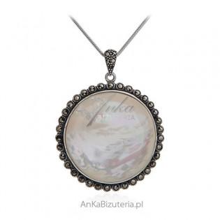 Biżuteria srebrna zawieszka z markazytami i białą masą perłową