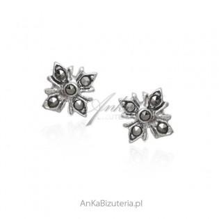 Kolczyki srebrne z markazytami subtelne kwiatki