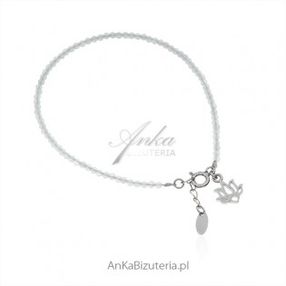 Bransoletka srebrna z miętowymi koralikami i kwiatem Lotosu