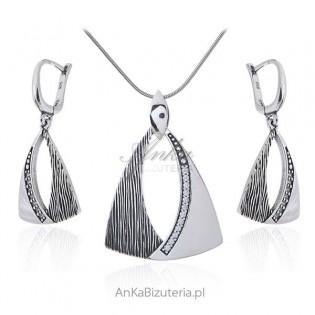 Biżuteria srebrna Komplet oksydowany z zakuwaną cyrkonią