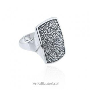 Pierścionek srebrny oksydowany Sygnet