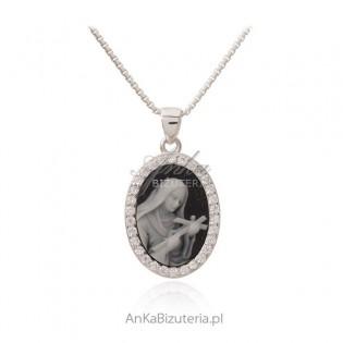 Św. Rita Srebrny medalik na agacie z masą perłową i8 cyrkoniami