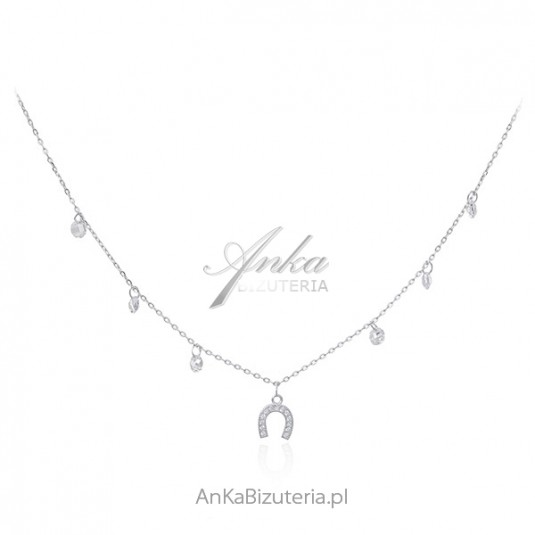 Piękny srebrny naszyjnik z amuletem szczęścia - kotwicą i białymi ccyrkoniamii