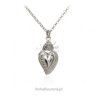 Srebrny naszyjnik z sercem - piękna artystyczna biżuteria