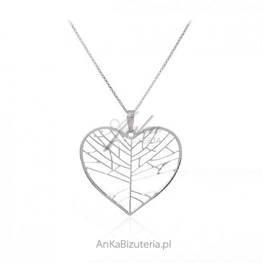 Srebrny naszyjnik na długim łańcuszku z dużym sercem