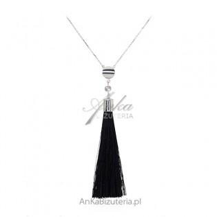 Naszyjnik srebrny z czarnym frędzlem