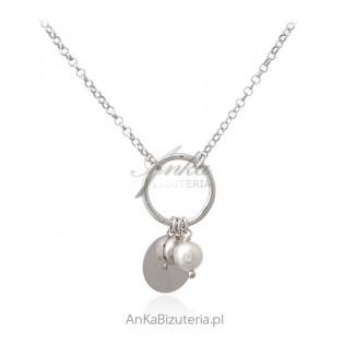 Srebrny naszyjnik z perełką - oryginalna biżuteria srebrna