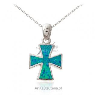 Srebrny krzyżyk z niebieskim australijskim opalem