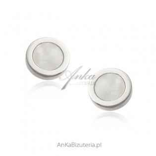 Srebrne kolczyki z białą masą perłową