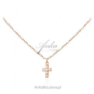 Srebrny naszyjnik pozłacany różowym złotem z białą emalią i cyrkoniami KRZYŻYK