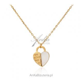Naszyjnik srebrny pozłacany z białą masą perłową SERDUSZKO Z LOVE