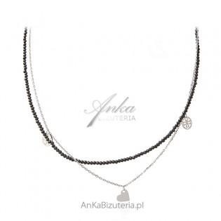 Srebrny naszyjnik z czarnymi spinelami i ażurowymi przywieszkami