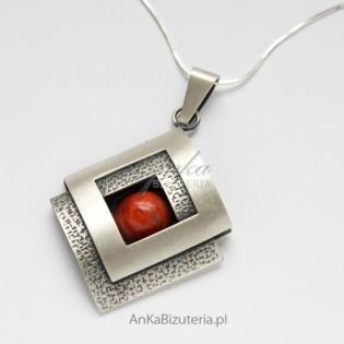 Elegancka Biżuteria Srebrny Wisior z koralem