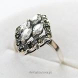 Srebrna Biżuteria-piękny Pierścionek z cyrkoniami