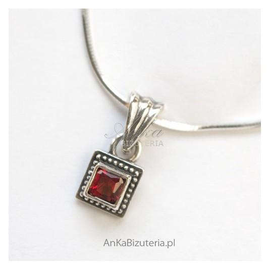 Modna Biżuteria - Wisior srebrny z granatami