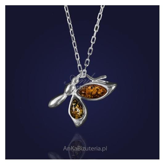 Srebrny wisior bursztynowy na łańcuszku-Mały motylek